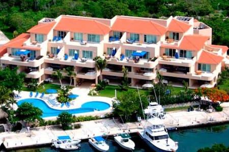 My Beach Paradise condo vacation - Puerto Aventuras - Lejlighed