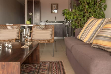 Rockwell Rocks: Vibey Waterkant Pad - Apartment