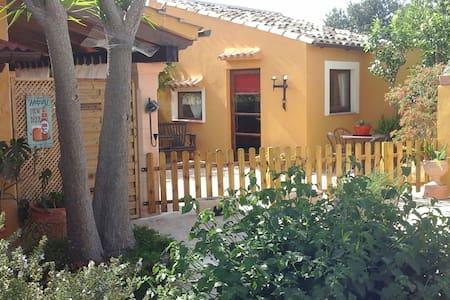 Mallorca,  charming casita with outside kitchen. - Hus