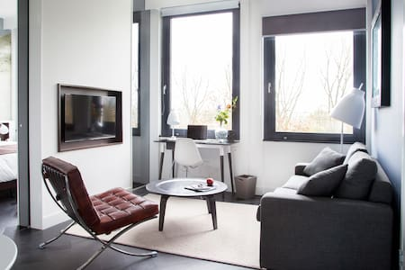 1-bedroom at brand new aparthotel - Bed & Breakfast
