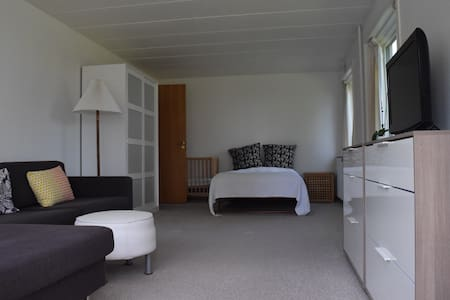 Large room with a view of Kolding Fjord - Kolding - Villa