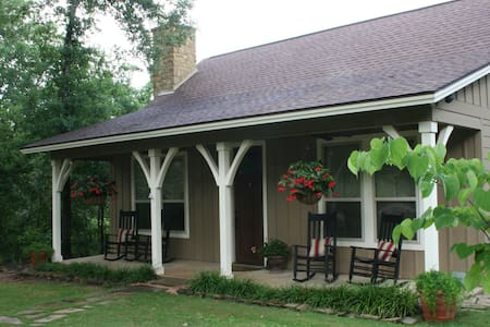 Spring Creek Ranch, Texas A&M Univ, Private Cabin - Bryan - Chalet