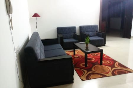 AC Private room+Private Living area, HomeFood,WIFI - Apartemen