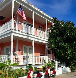 Pineapple by the Sea, Sleeps 2 #2 - Galveston - Appartement