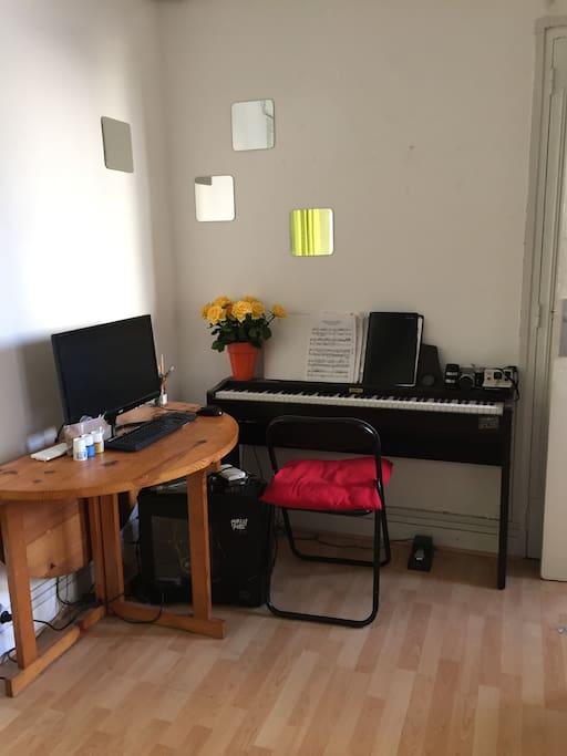 Piano à disposition