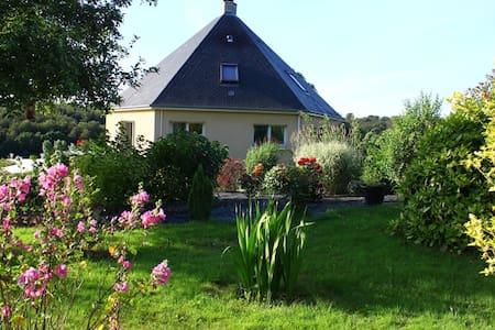 (chambre) maison atypique hexagonale parc 6000m2 - Montfiquet