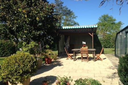 Petit gîte dans propriété équestre - Voivres-lès-le-Mans