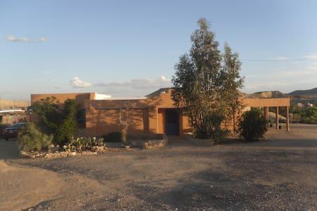 Aranda House - central location - Casa