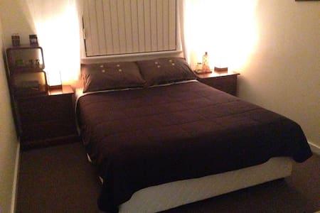 Quaint & Charming room. - Nollamara - Casa