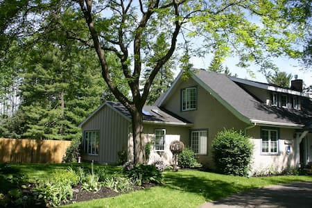 Charming escape with pool, - Hudson - Bed & Breakfast