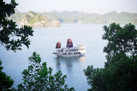 Luxury 4* cruise Halong for 2D/1N