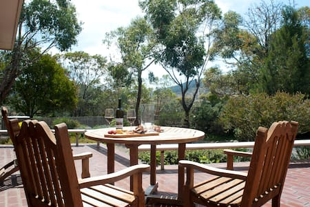 Vineyard Escape - Richmond - Bed & Breakfast