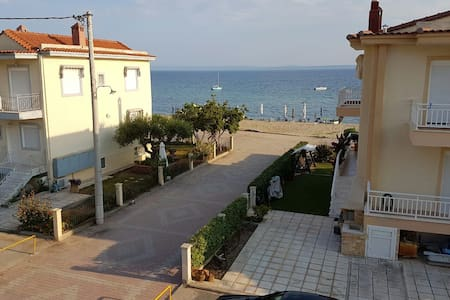 Brand new apartment in Gerakini, 10m from Beach - Yerakini - Apartment