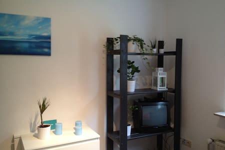 Helles 1-Zimmer Apparment mit Charm - Lejlighed