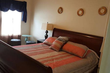KING Bed Room with Amenities - Spring - House