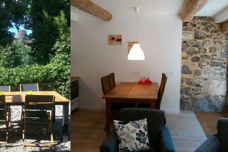 Gîte Murol - vue chateau - agreable - WIFI - Murol