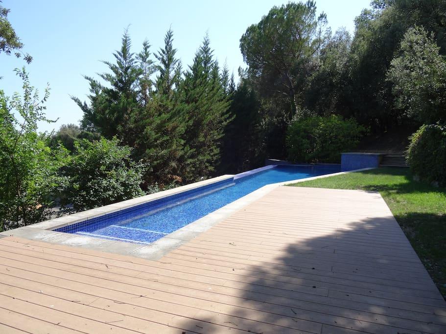 Casa en girona jard n y piscina houses for rent in girona for Piscina jardin girona