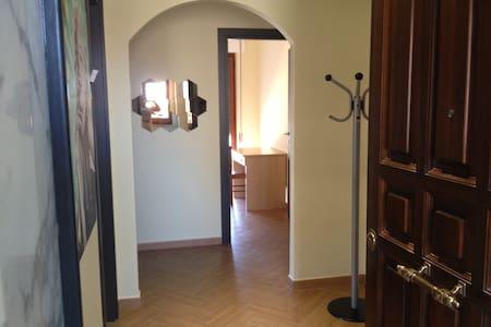 APPARTAMENTO CASA VACANZA (AGOSTO) - Wohnung