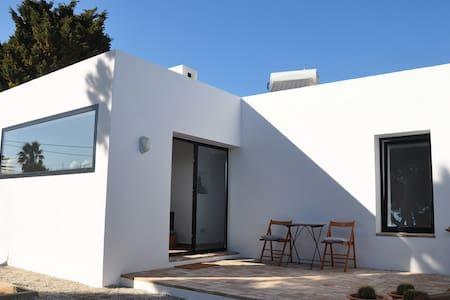 CASA BLANCA 2 - Rumah