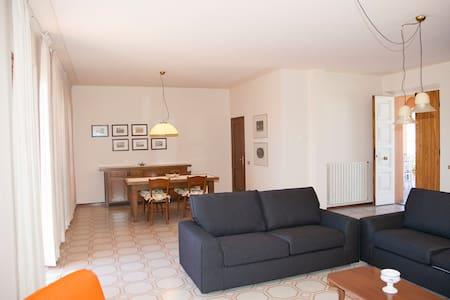 Eccellente appartamento in campagna - Apartment