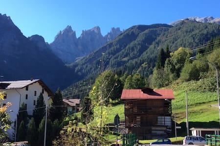 Schöne Wohnung im Herzen Dolomiten - Wohnung