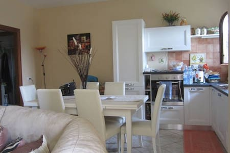 Spacious 2 bedrooms apartment with garden - Lejlighed