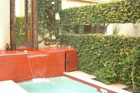 Melrose Townhouse with Pool