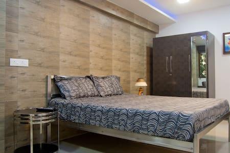 Navi Mumbai Apartment: The Pad - Lakás