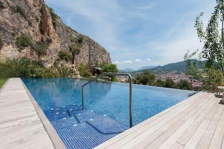 Villa with pool and panoramic views - Mariola - Willa