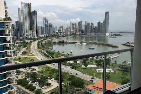 Hermoso apto con vista ala ciudad - Panamá - Byt