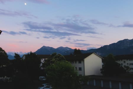 30min from Interlaken, quiet, clean - Apartamento