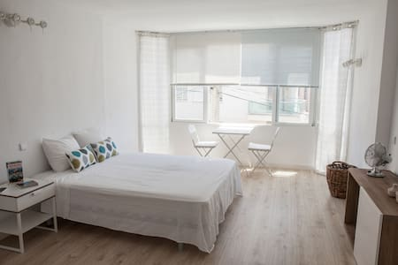 STUDIO FLAT NEAR THE BEACH IN PALMA - Apartamento