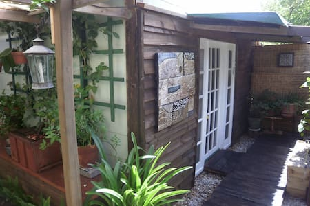 Subtropical Garage Conversion Studio, Pets OK - Other