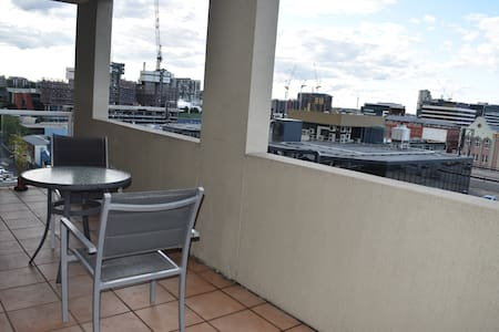 Brisbane Chinatown Lounge Room with Views - Fortitude Valley - Lägenhet
