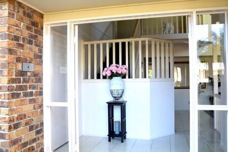 "CASA LINDA""An inviting home"" - Haus"