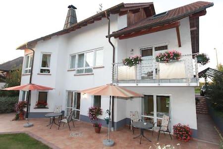 Ferienwohnung 2 mit Küche/Dusche/WC - Kapellen-Drusweiler - Apartamento
