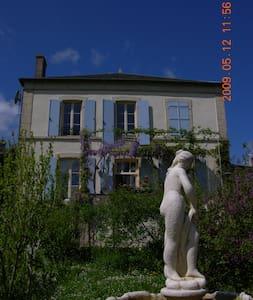 In Bourgogne, luxekamer Zuid - Wohnung