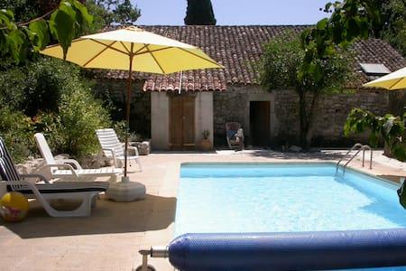 Ancient stone farmhouse + pool - Bouloc - House