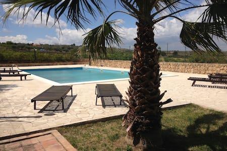 Casale Nunziata - Holiday Villa - Huvila