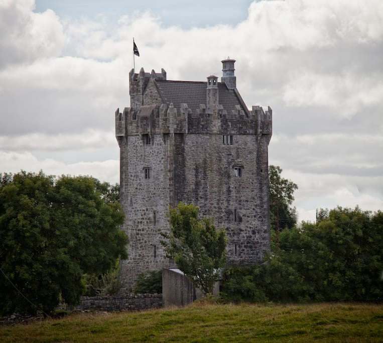 Live like a King in my Castle - Castles for Rent in Galway