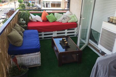 1 Room, swimming pool, bbq, beach - Castelldefels - Apartment