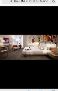 Share a room in LINQ hotel/strip