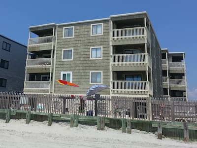Luxury Beachfront Condo 3 br/2.5 ba