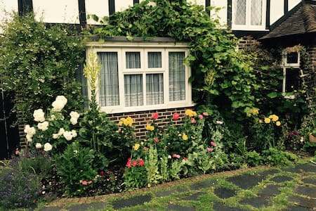Superb Country BnB/15 min to London - Inap sarapan