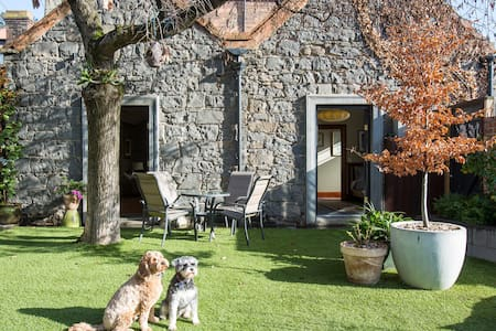 The Bluestone Cottage, Fab Fitzroy - Fitzroy - House