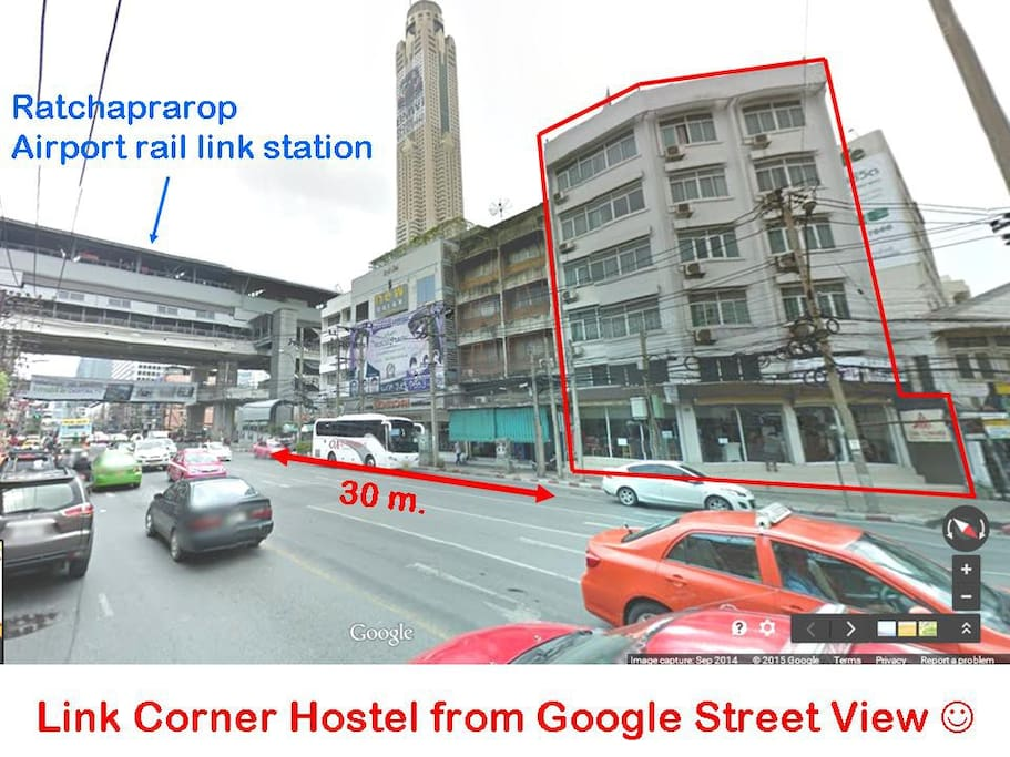 We are only 30 m. from the rail link station