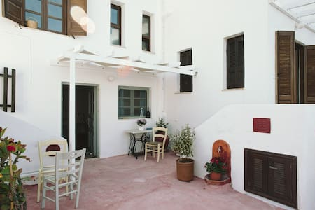 Charming studio, amazing views, sea at your feet! - Leros - 公寓