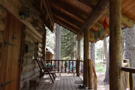 Log Cabin on Tumalo Creek - Bend - Stuga