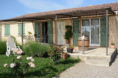 villa de plein pieds - Saint-Geniès-de-Comolas - Villa