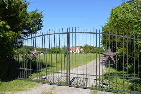 Texas Starlight Ranch - House